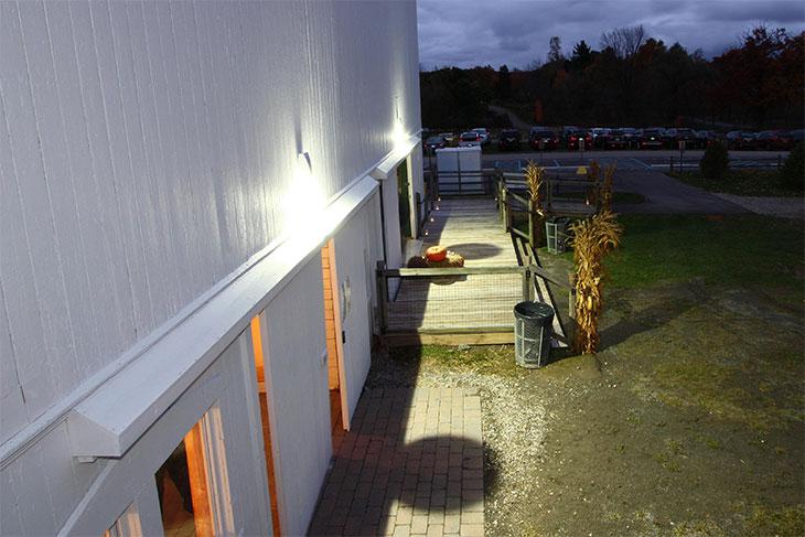 outside_barn_2